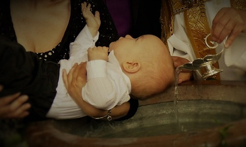 ubranko do chrztu dziecka